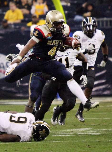 Navy QB Ricky Dobbs vs. Missouri in the 2009 Texas Bowl